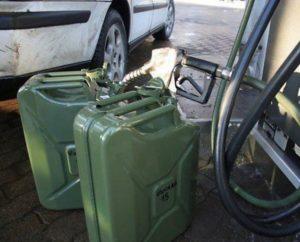 nakazanie-za-sliv-benzina-s-mashiny